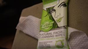 Essenzza Natural Facial Cleanse + Exfoliate Wipes